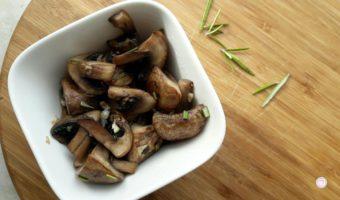 Gebakken champignons met rozemarijn