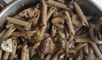 Bruine champignon pasta