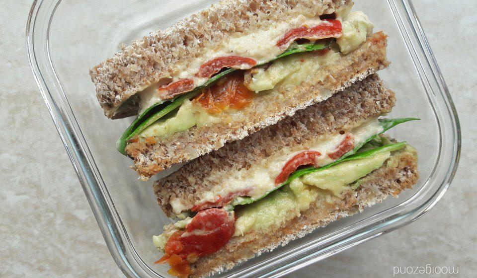 sandwich, gegrilde paprika, vegan, hummus, avocado, sandwich avocado, sandwich hummus, sandwich vegan, sandwich plantaardig, heerlijk