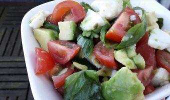 Basilicum avocado salade